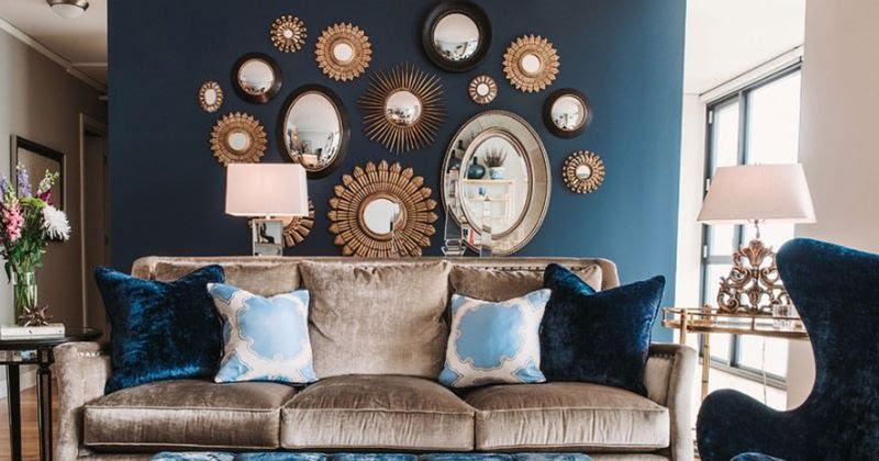 Kumpulan Cermin Pada Satu Dinding
